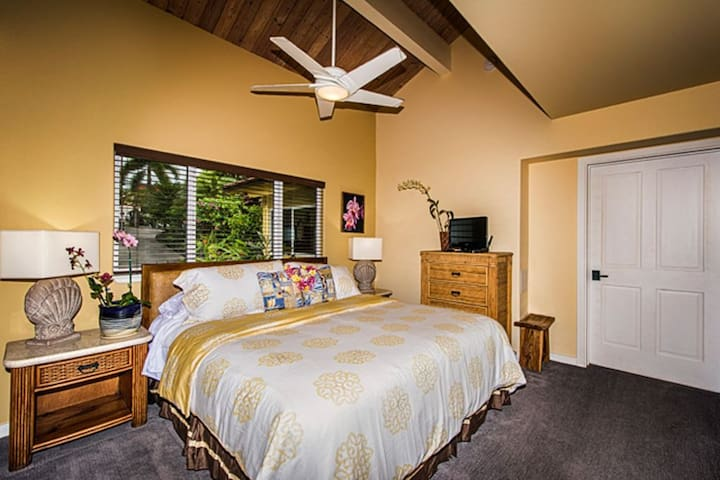 Large updated bathrooms with Ceiling Fans
