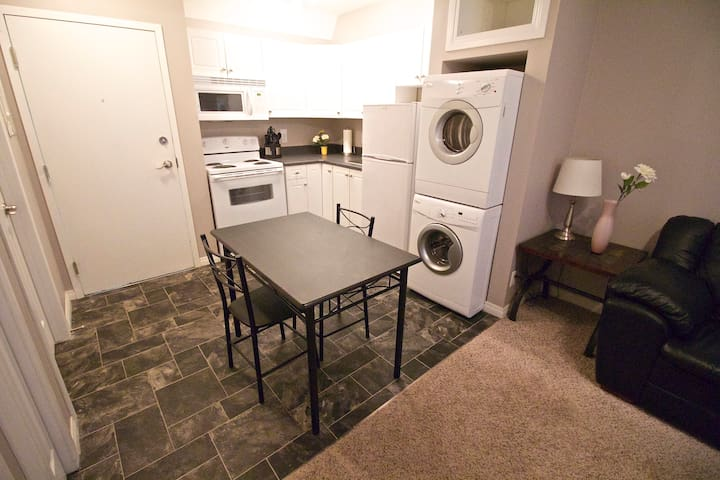 Great Downtown Location!