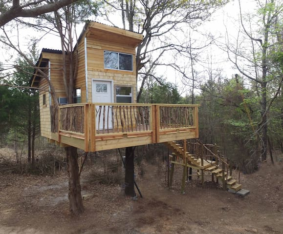 Ra's REAL TREEHOUSE n 2 huge Trees  2 beds private - Eufaula