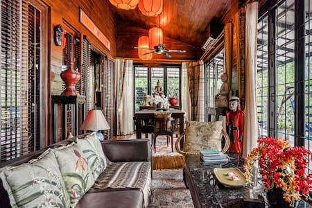 Admire Asian Antiques at a Sumptuous Sanctuary on the Beach