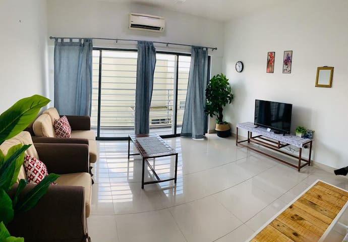 #1 CozyHome 4pax / Puchong / Sunway / Bkt Jalil