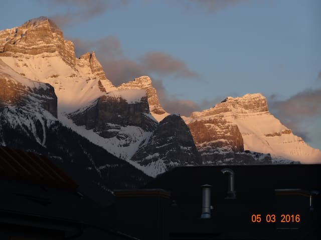 Your home away from home in Canmore - Canmore - Apartment