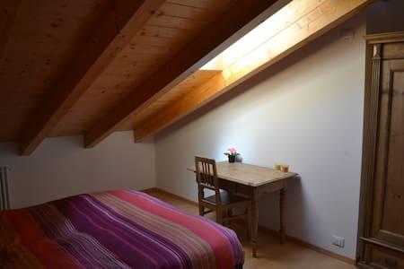 Two level flat with Brenta's Dolomiti view. - Romeno - Talo