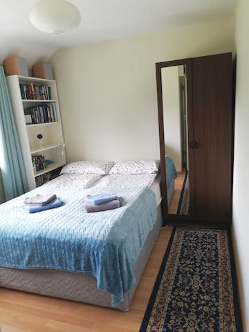 Cosy double room 10 min from Dublin Airport.