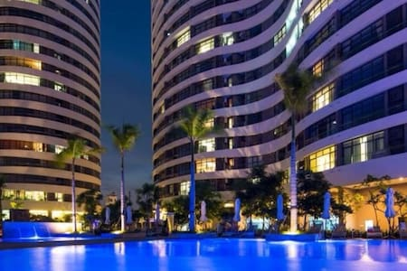 5 Star Luxury 2BR WHOLE Apartment near District 1 - Ho Chi Minh - Huoneisto