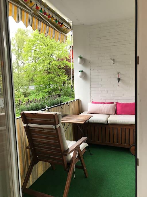 Loggia / Balkon zum ruhigen Innenhof