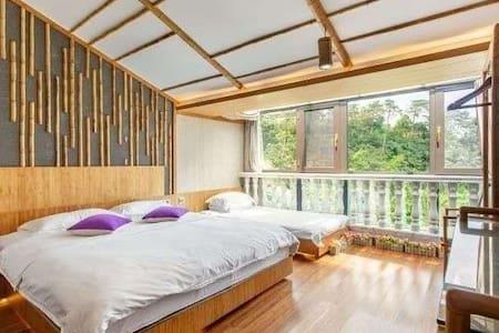 现代阁楼竹子养生房