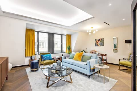 Two bedroom Luxury Golden Square Flat (Flat 18)
