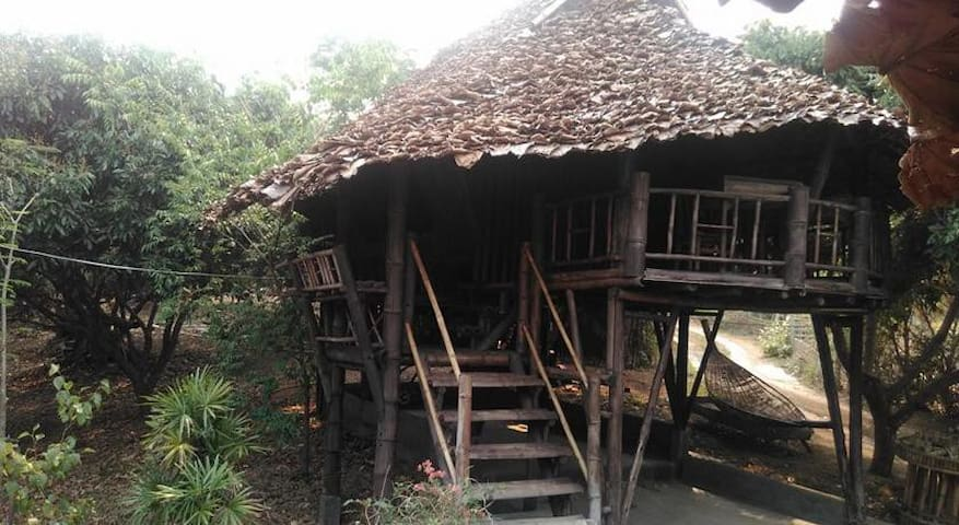 Traditional bamboo stilt house - Chiang Mai - Bungalow