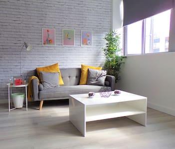 Entire Stylish Modern Studio - 2min Walk to Tube