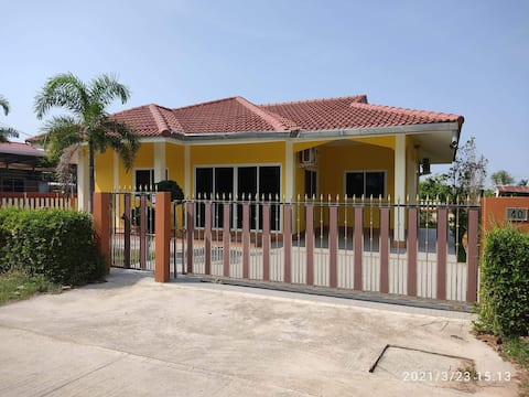 New house, completely furnished, Ao Manao Beach 10 min