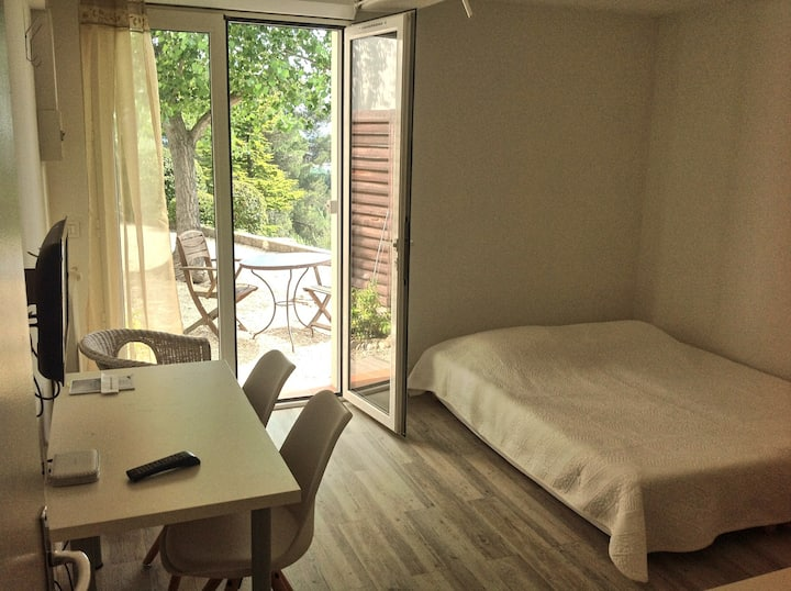 Studio with access to pool, garden and orchard