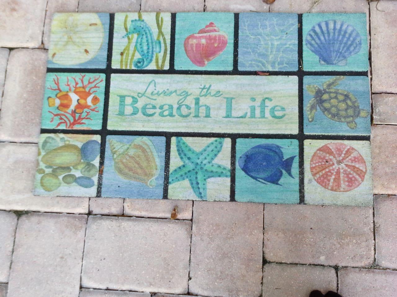 LIVING THE BEACH LIFE!  6 short minutes to BEACH!