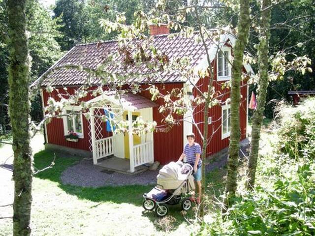 Nice old cottage close to nature i Björkfors