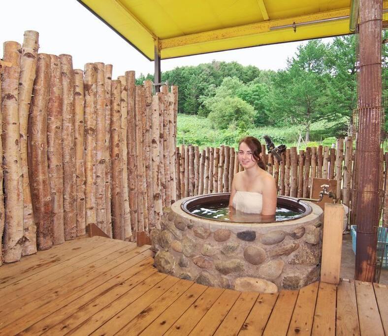 """【Open air bath】A bath called """"GOEMON-BURO"""" of Japan."""