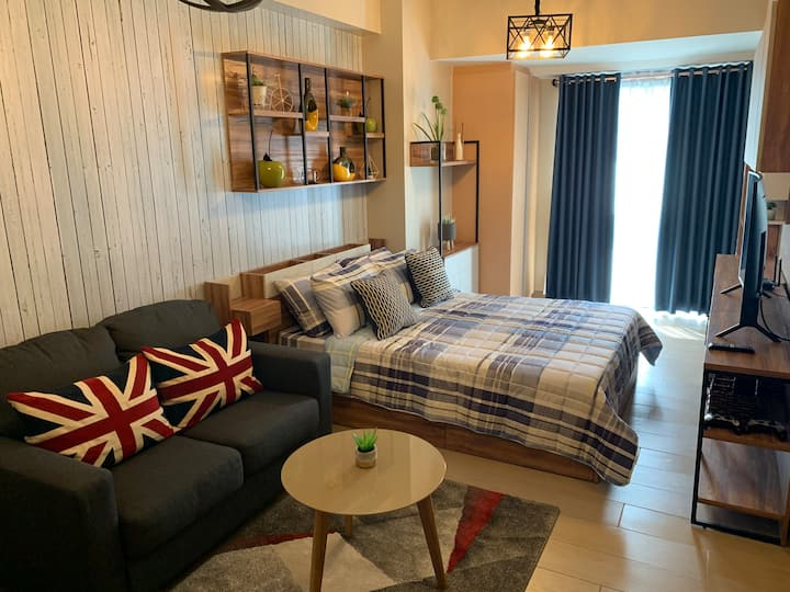 Luxurious Studio Condo with all the Home Comforts