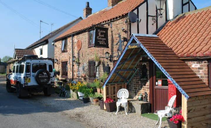 Quirky Yarm Cottage - Sleeping 11