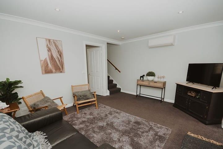Spacious refurbished apartment close to beach
