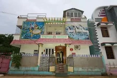 OYO - 3BHK Home Stay Near Airport-Flash Deal