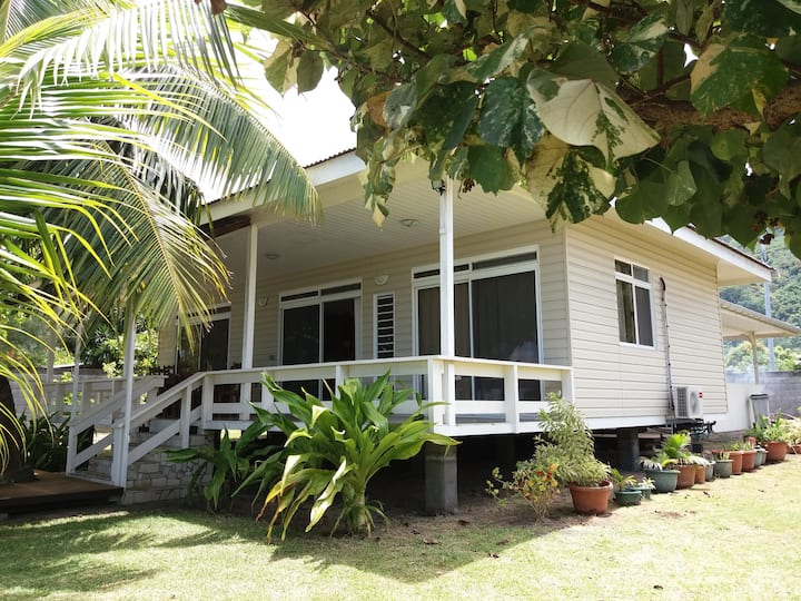 TAHITI - Poeheivai Beach
