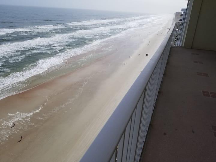 Snowbirds, Oceanfront, great Daytona Beach