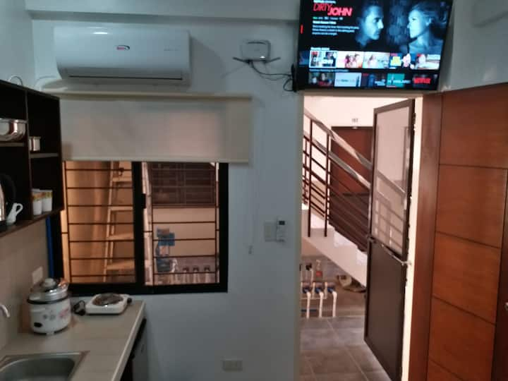 Room 103 New With Netflix Kitchenette Angeles City
