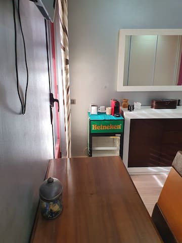 Habitacion totalmente equipada en bonita casa
