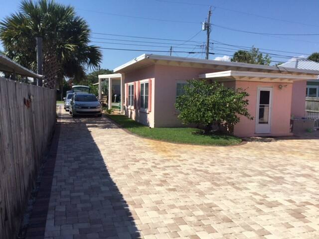 Thinkpink Cottages