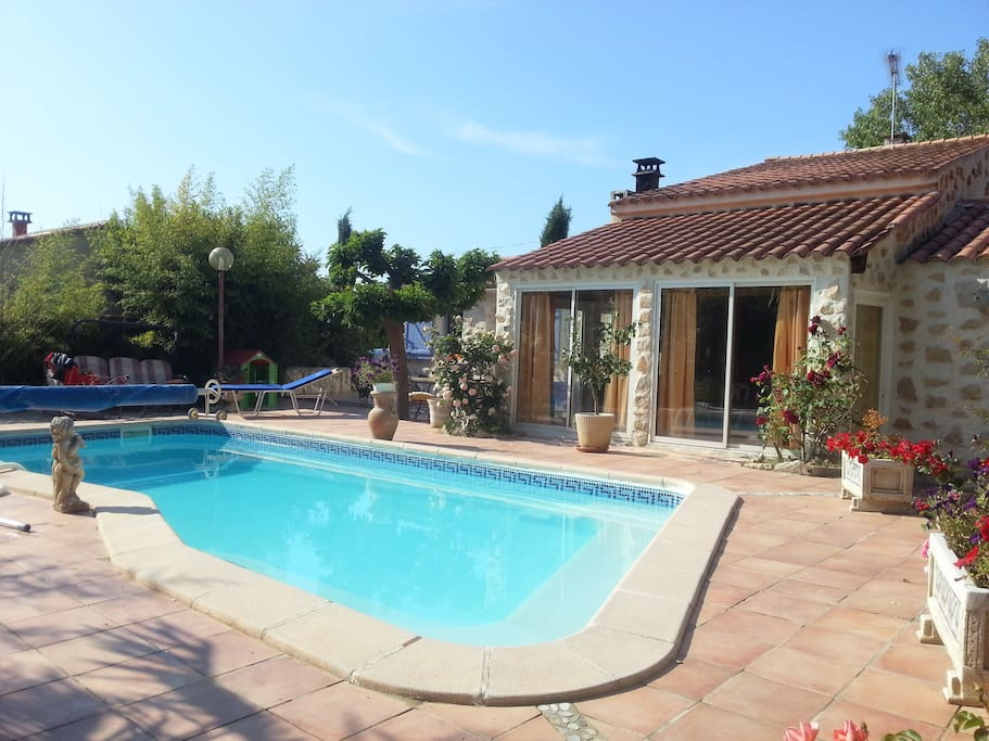 Maison avec piscine beaucoup de charme tranquille houses for Piscine fuveau