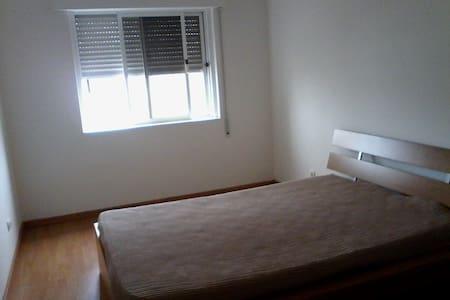 Quarto em apartamento - Queijas - Queijas - Apartament