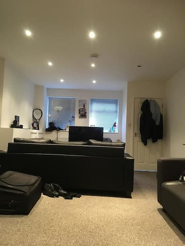 a great big room with garden to rent - Cardiff - Lakás