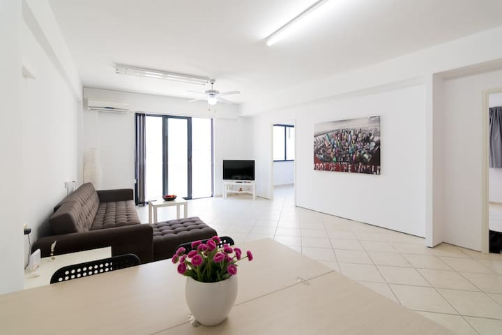 ★Charming renovated city center 3rd floor flat