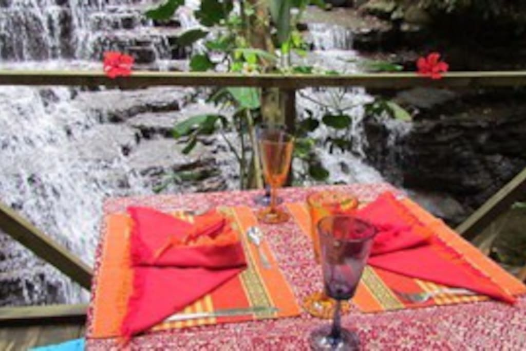 Romantic Meals by the Waterfalls