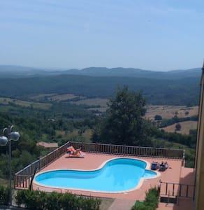 Appartamento residence con piscina - Monteverdi Marittimo