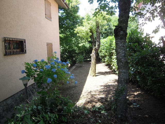 Monte Amiata Villetta con giardino - Bagnore - House