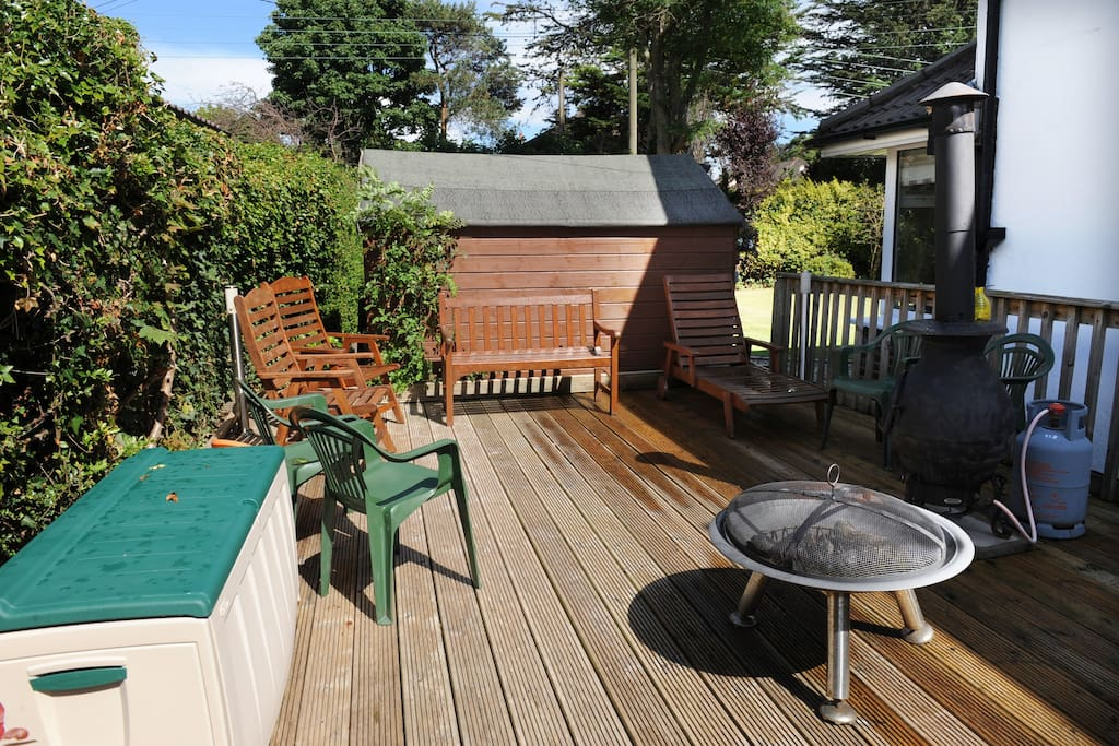 Decking area with firepit - smoke to your hearts content!