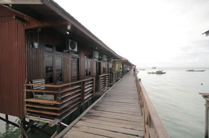 BEAUTIFUL WATER COTTAGE DERAWAN