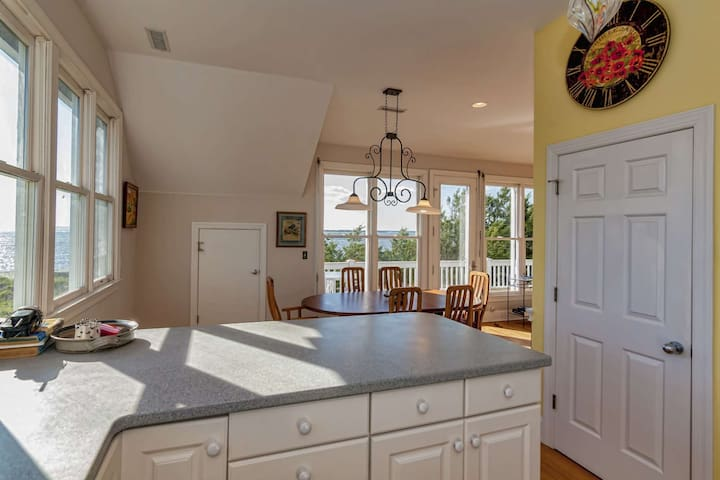 Along with views of Old Baldy from the kitchen, enjoy views of the ocean while making breakfast, lunch or dinner