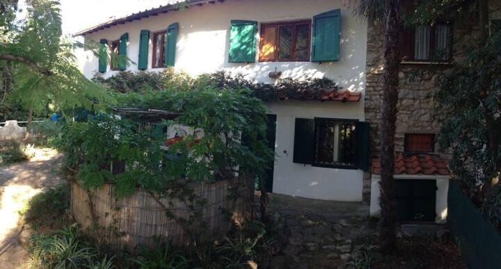 Casa Capo Pero tra verde e mare