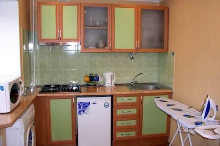 yellow 1 room studio Kherson centre - Cherson