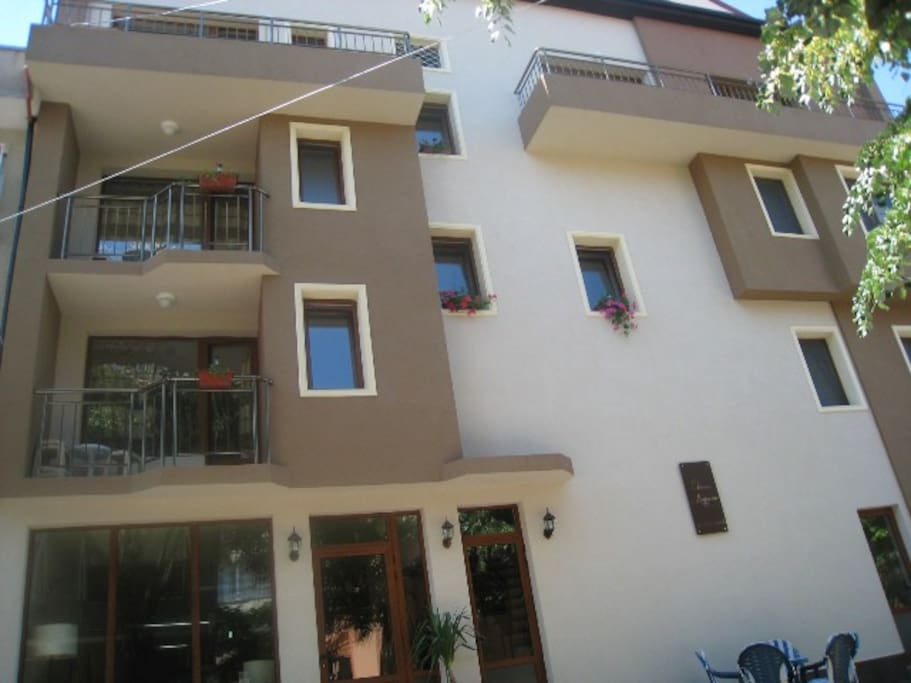 2 wohnungen zur miete in pomorie bulgarien. Black Bedroom Furniture Sets. Home Design Ideas