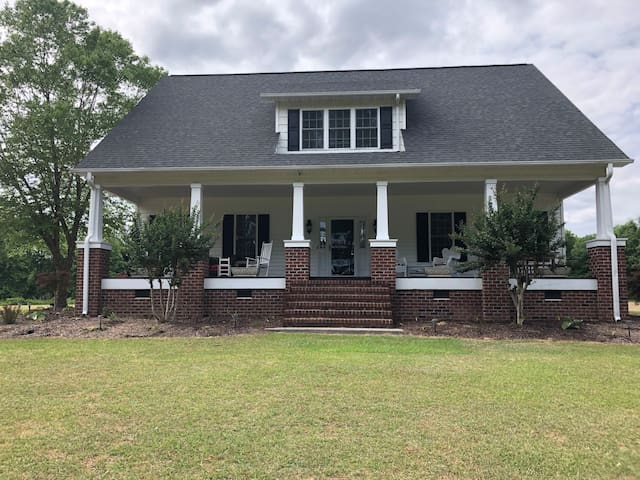 Quiet Country Home(2 of 3 beds/Dbl bed) Eastern NC