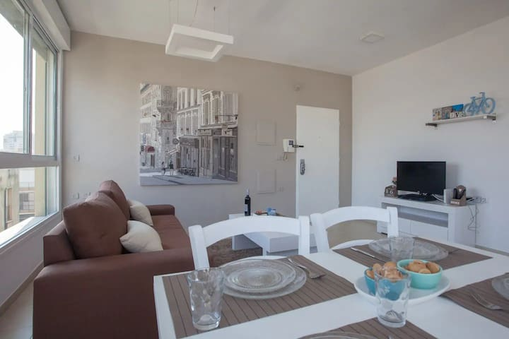 deluxe apartment for 4 in Ben Yehuda