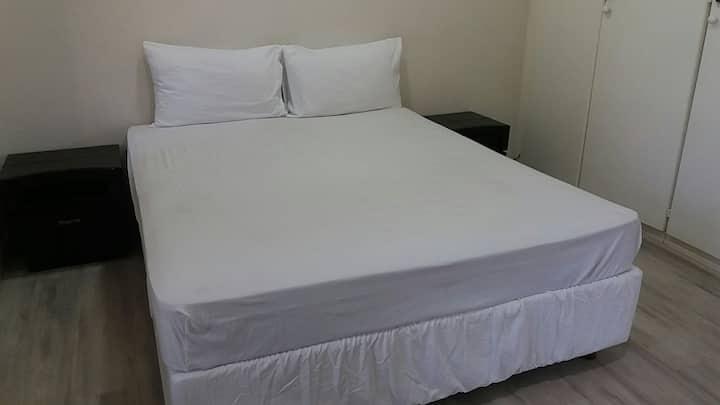 Geeno Lodge room 4
