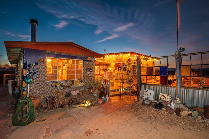 Tile House - Twentynine Palms - บ้าน