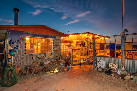 Tile House - Twentynine Palms - Talo