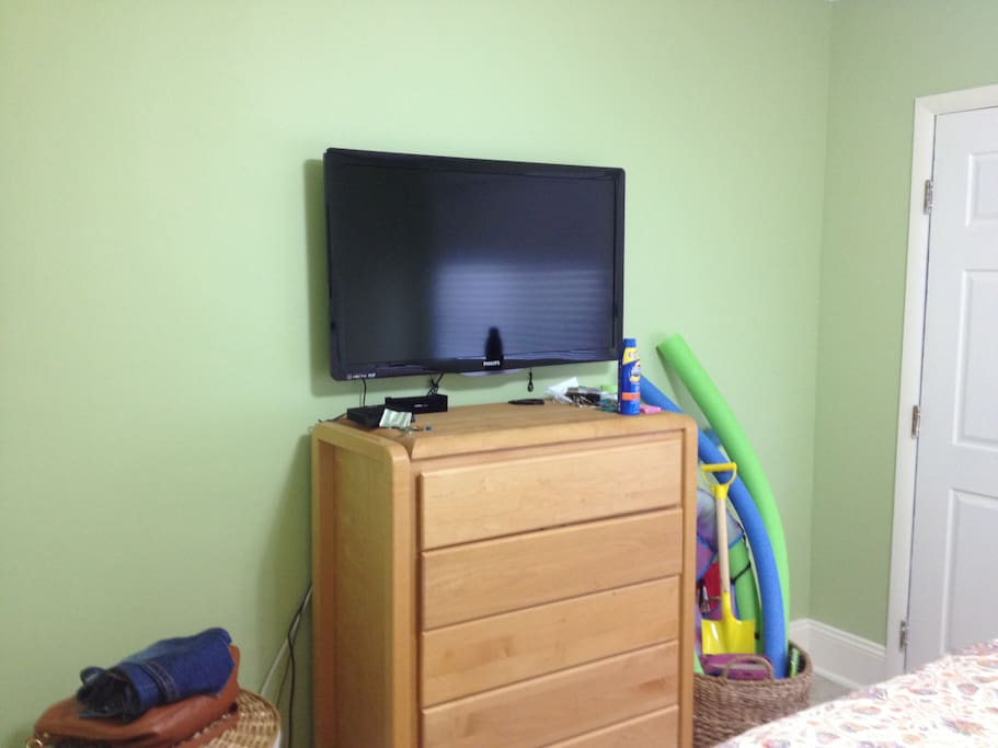 TV / Dresser in Bedroom