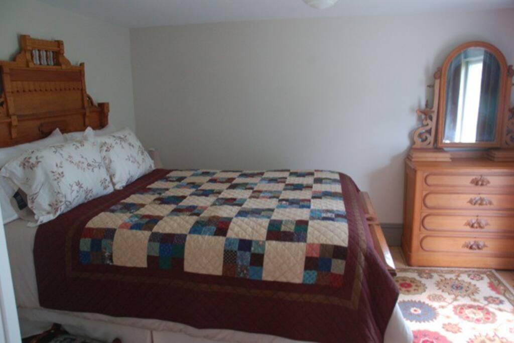 Master Bedroom, 1 Queen Bed