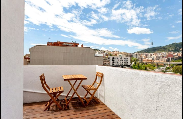 Amazing Flat with terrace close to Parc Güell