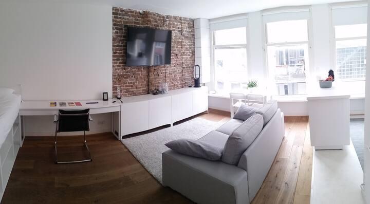 Unique studio in the heart of Amsterdam Jordaan